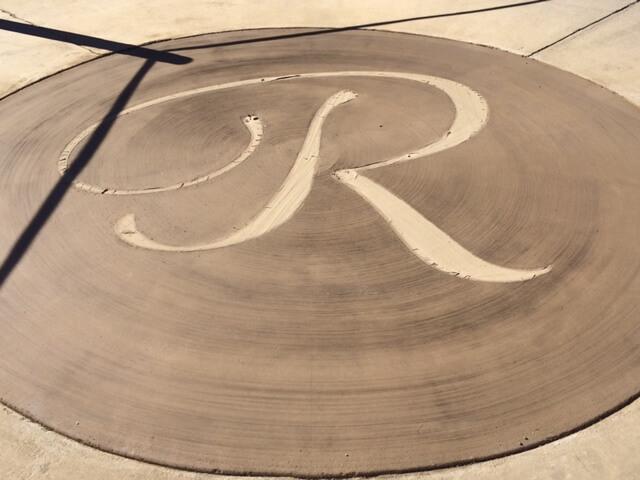 R asphalt marking